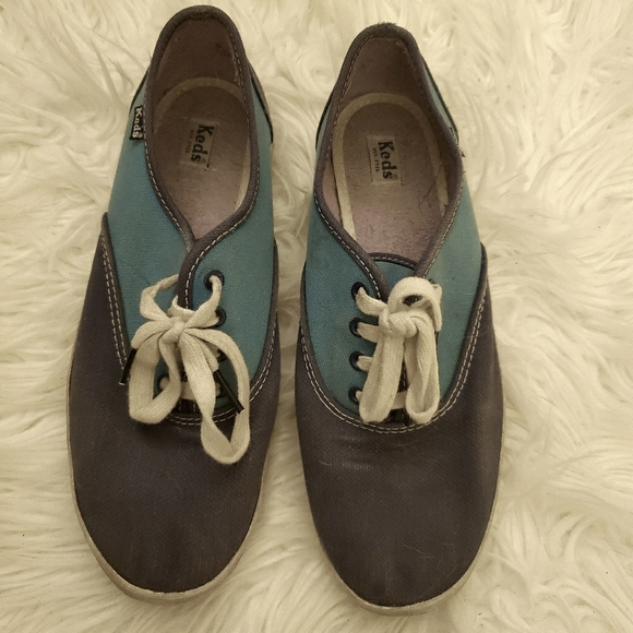 Size 7 blue Ked Sneakers